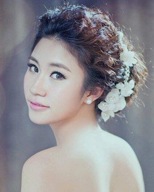 气质新娘发型盘发图片