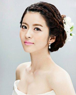 【韩式新娘盘发】_最新韩式新娘盘发发型图片大全_扎