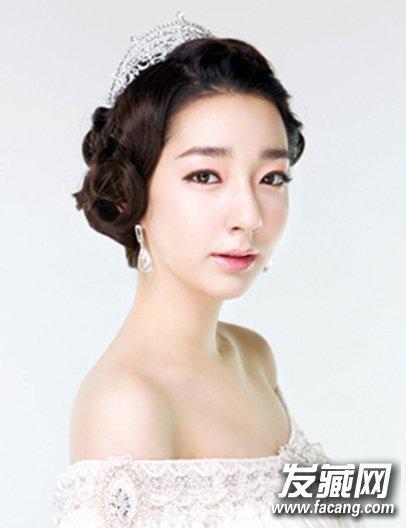 新款韩国新娘皇冠盘发发型(2)