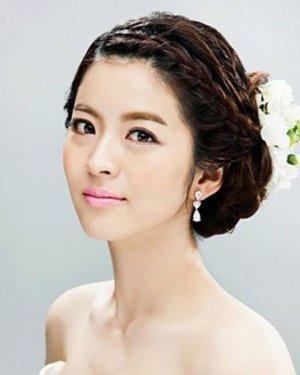 最经典设计的新娘盘发发型大全