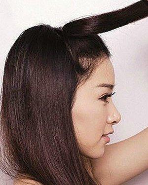 巧用盘发器扎发 轻松打造简单气质发型