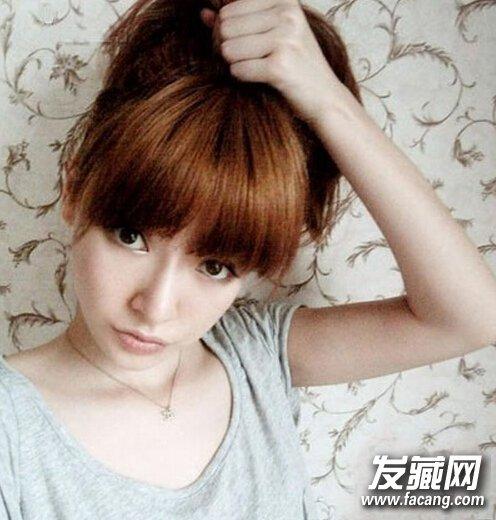 第二:把扎好的头发分成两 →甜美动人的韩式齐刘海短发 8款发型美美图片
