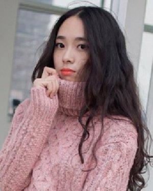 流行冬季女生发型 唯美的空气烫发发型图片
