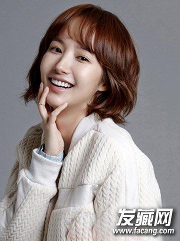 圆脸适合发型 > 圆脸剪什么发型好看 韩式气质短发发型(4)  导读:减龄