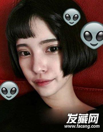 2015时尚最抢眼  导读: 韩版短发1 这款造型比较有个性,特别是半边露图片