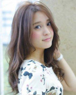 厚重的齐刘海发型 可爱甜美少女发型设计