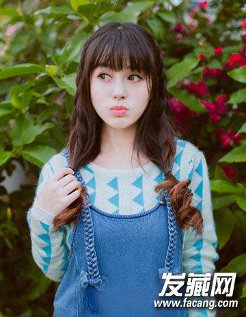 春季流行刘海卷发 可爱甜美的女生发型