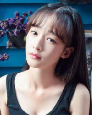 空气刘海时尚感 女大学生时尚发型