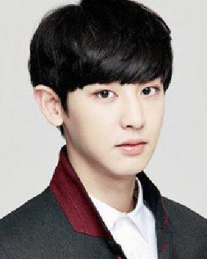 时尚的韩国男生发型 斜刘海短发帅气无比