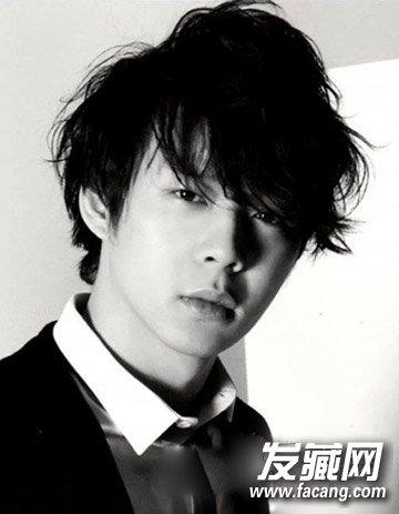 【图】男生方脸适合的发型 凌乱风更添魅力_男生脸型图片