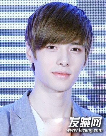 男生最新斜刘海短发 长脸的男生发型设计(8)图片