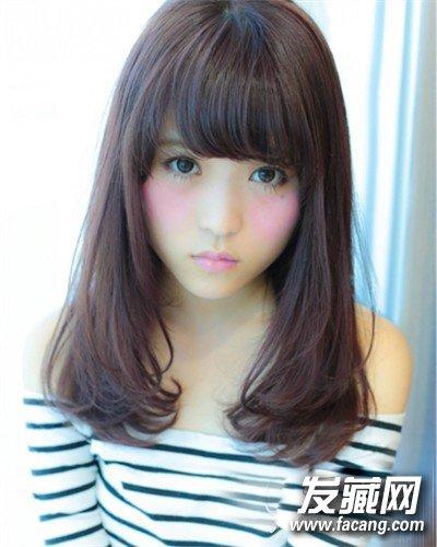 导读:齐肩中长发 想知道圆脸适合什么发型?
