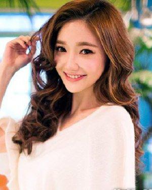 最新流行长发发型 韩式个性妩媚大卷发型
