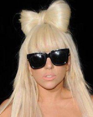 可爱蝴蝶结发型扎法 自己头发变成蝴蝶结