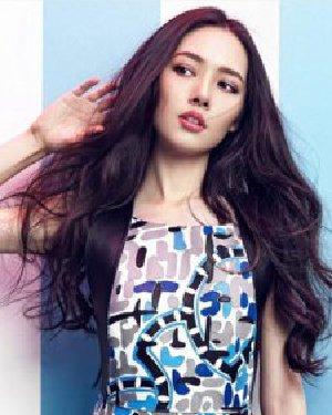 《结婚吧》郭碧婷发型 凌乱的卷发女神范儿十足