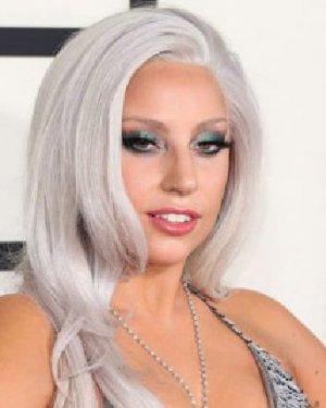 """白头发多? 学明星染个""""奶奶灰""""颜色发型"""