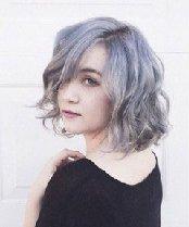 染什么颜色头发好看 火遍全美的奶奶级灰染发