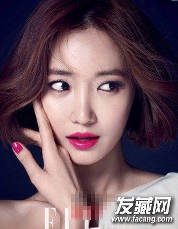 不对称的偏分中短发烫发 韩国流行的9款短发烫发(2)