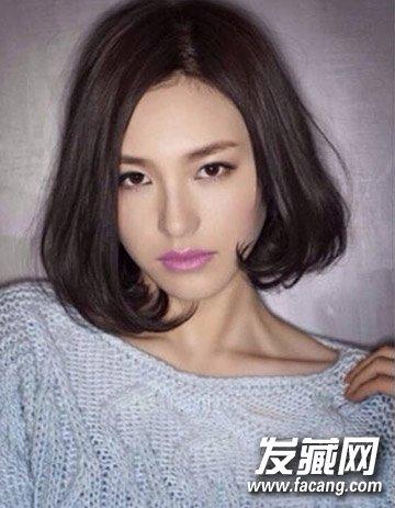 不对称的偏分中短发烫发 韩国流行的9款短发烫发(6)