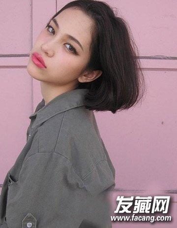 不对称的偏分中短发烫发 韩国流行的9款短发烫发(9)
