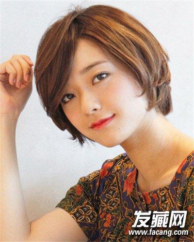 微卷的韩式长发发型推荐 斜刘海最显气质(2)