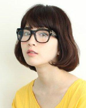 戴眼镜适合什么发型 知性文艺女青年感觉