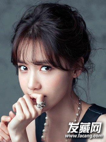 脸大留什么发型好看 韩系风格花苞头盘发(8)