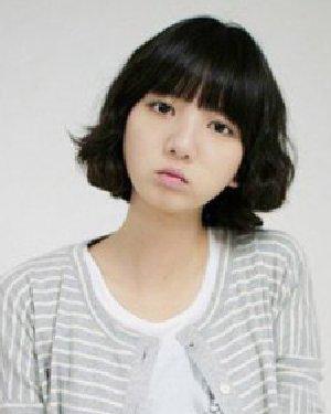 圆脸适合的短发设计 甜美风式简单中短发发型图片