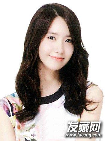 韩式甜美中长发烫发 方脸适合的发型设计(2)图片