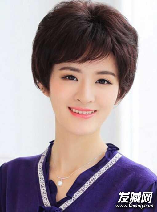 适合40岁女人短卷发发型很优雅减龄图片