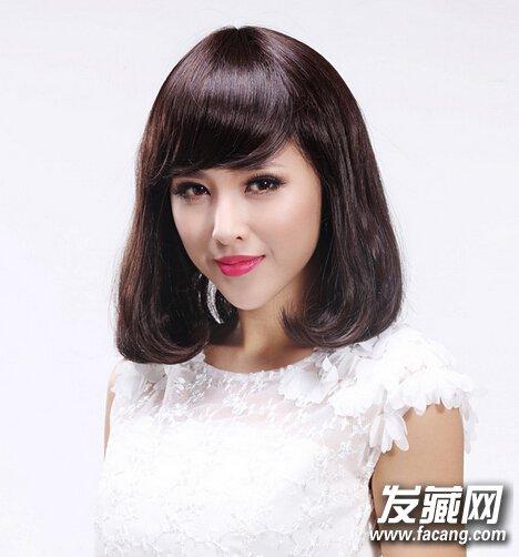 2,韩式斜刘海搭配内扣卷发,整个人看起来更淑女更文静,而且齐肩发型图片