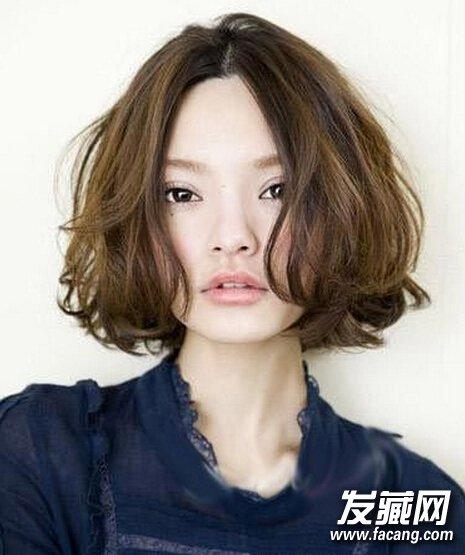 自来卷女生如何选发型  自来卷适合的发型还蛮多的,下面为你推荐的就图片
