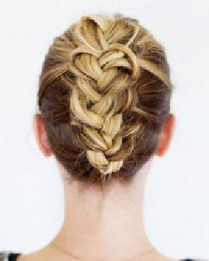 浪漫的头发编织方法 法式编发马尾辫扎法图解