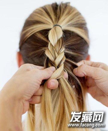 浪漫的头发编织方法 法式编发马尾辫扎法图解(3)图片