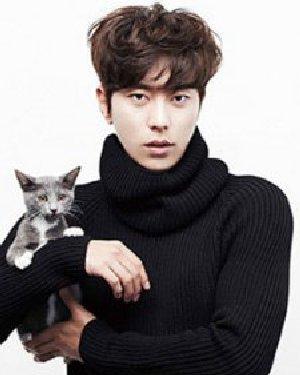 最新韩国男生短发发型 蓬松感十足韩式男生烫发