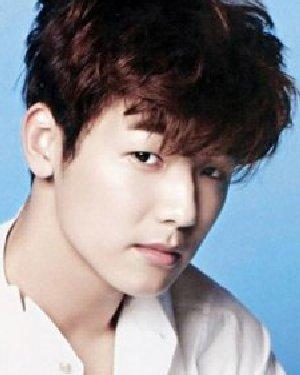韩式型男短发发型 清新纹理烫男神最爱