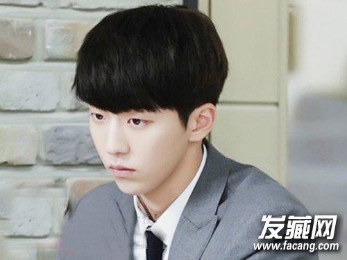 男生发型齐刘海 齐刘海短发是首选图片