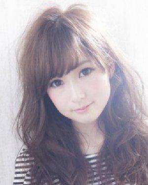 韩式女生中发烫发发型 万能棕色最ok图片