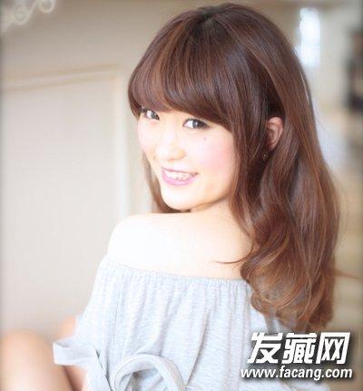 【图】韩式女生中发烫发发型图片