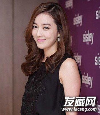 韩国女生中长发卷发发型 展现轻熟之美(6)