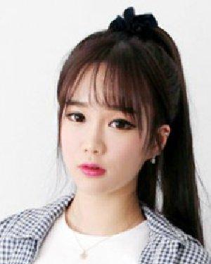 韩式马尾辫扎法空气刘海马尾 韩式发型清纯减龄