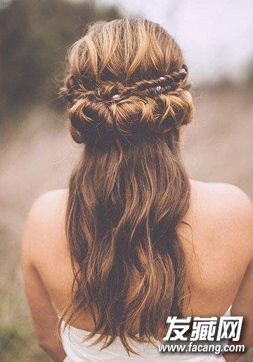 导读:6,花环编发 精致花环编发,多种场合下都很适用的一款发型,利用图片