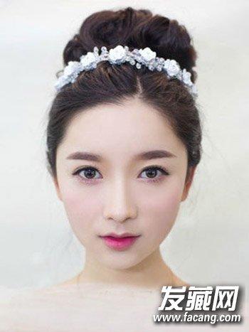 夏季必试新娘发型 花苞头盘发时尚大气(2)图片