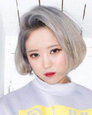 韩式中短发发型图片 浅灰色的染发发型图片