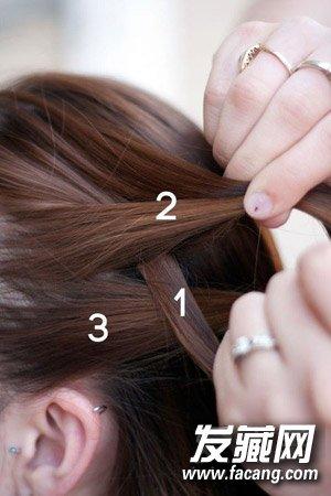 编头发的步骤及图片 教你编花式麻花辫 6