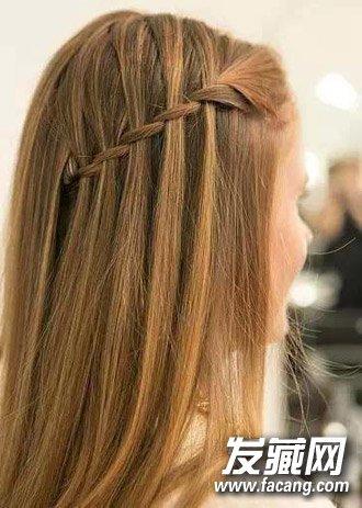 发型网 女生发型 马尾发型 > 马尾编发&斜编麻花辫 长发扎法图解(5)
