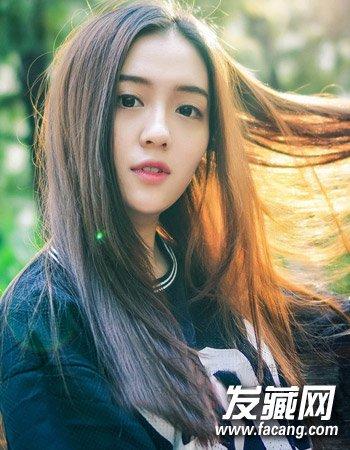 导读:副标题 韩国女生发型1 精致的瓜子脸发型与一款十分有气质的长发图片