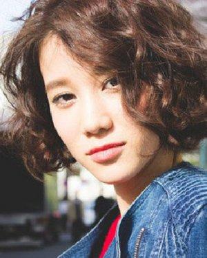 韩国短卷发发型 跟风韩妞试试这些款