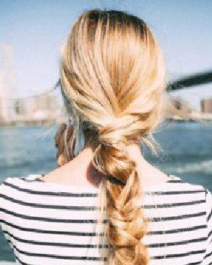 低马尾就很有气质长发发型设计 15款编发发型告诉你图片