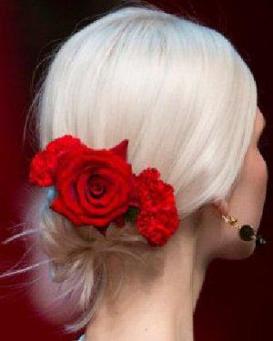 盘头发的方法有很多种 无与伦比的盘发发型